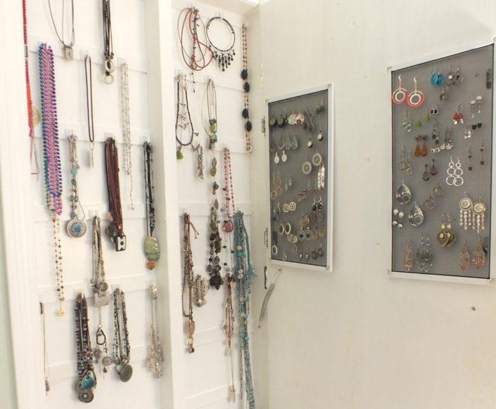 diy_jewelry_closet