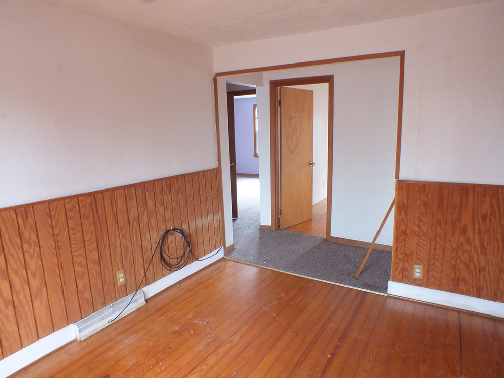 leaky-ranch-reno-den-before