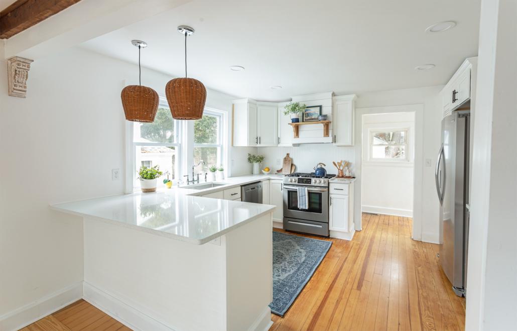 white-kitchen-with-beadboard