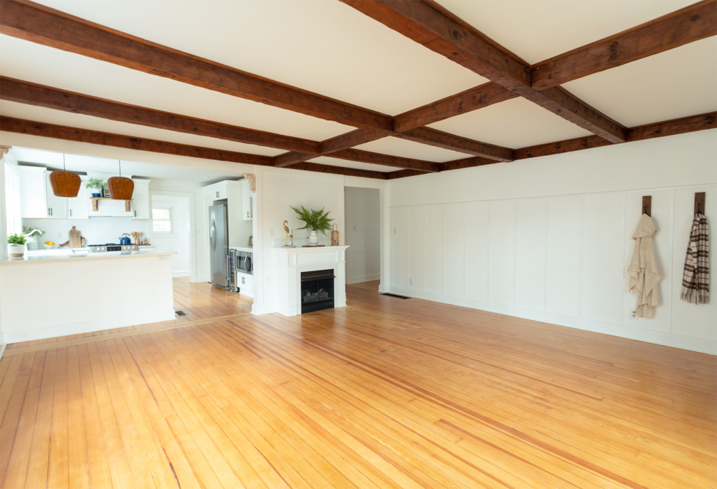 white-living-room-with-wood-beams